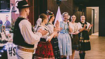 Ples Slovakfolklore - Folkloristi z celého Slovenska sa zabávali v Liptovskom Mikuláši